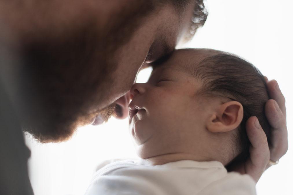 Congés paternité porté prochainement à 28 jours